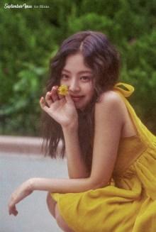 27-HQ Scan BLACKPINK Jennie SOLO Photobook