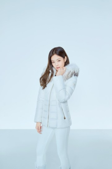 4-HQ-BLACKPINK GUESS Winter Coat Jacket Collection