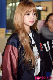 6-BLACKPINK-Airport-Photos-Incheon-20-Nov-2018-Back-from-Indonesia