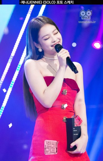 6-BLACKPINK-Jennie-SOLO-Inkigayo-25-Nov-2018-PD-Note