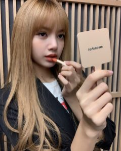 BLACKPINK Lisa Moonshot Instagram Update 6 Nov 2018