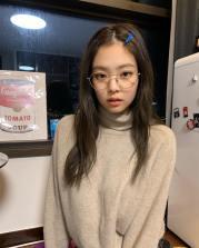 2-BLACKPINK Jennie Instagram Photo 27 December 2018