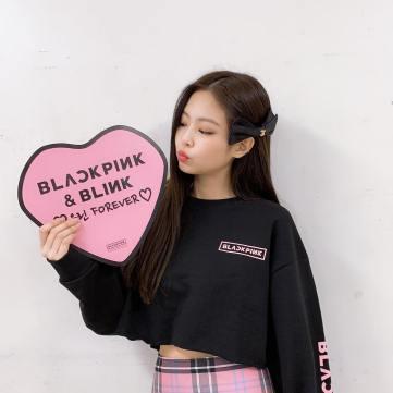 2-BLACKPINK Jennie Instagram Photo Kyocera Dome Christmas
