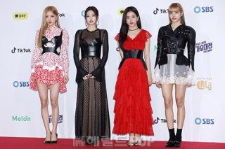 6-BLACKPINK SBS Gayo Daejun 2018 Red Carpet