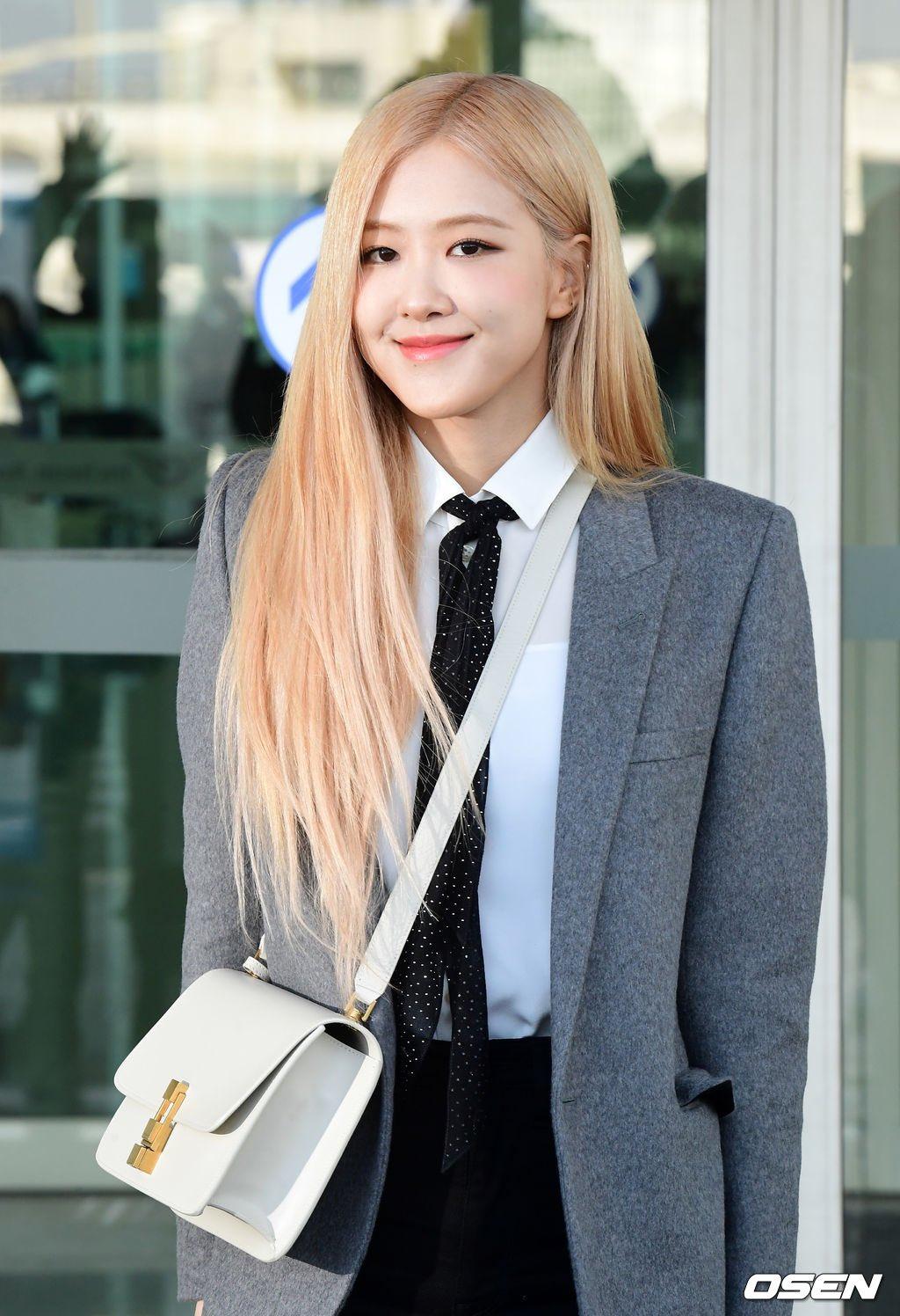 7-BLACKPINK-Rose-Airport-Outfit-blazer-to-Paris-26-January-2020