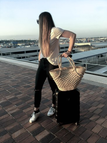 casual_airport_style_outfit_