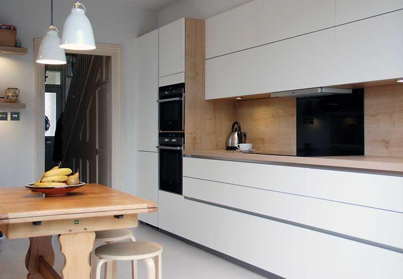 Satin White Handleless Kitchen With Oak In Tunbridge Wells