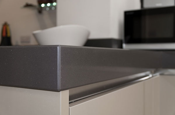 Cubanite Metallic Grey Handleless Kitchen with 80mm Quartz