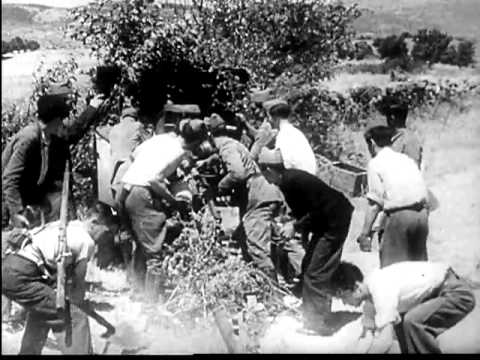 Spanish revolution era photo of field workers.