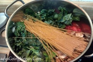 One Pot Pasta with Fresh Tomatoes, Basil and Kale
