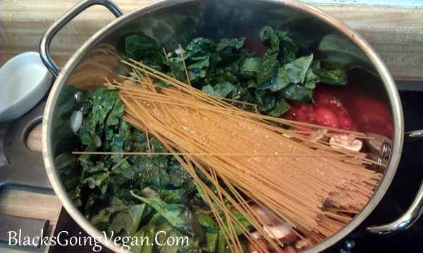 one pot tomato basil and kale pasta vegan