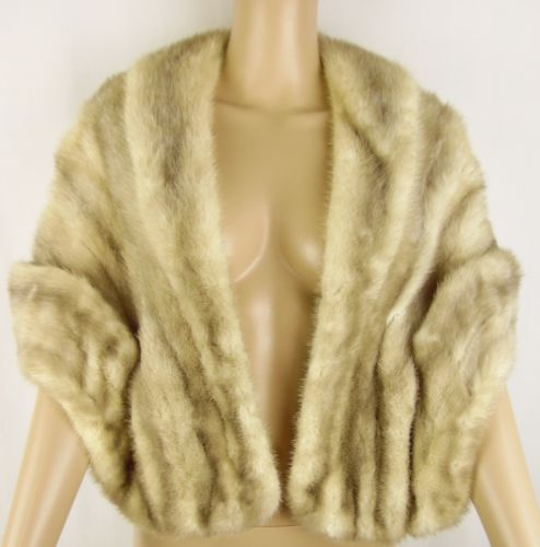 bsb9 5 Ways to Wear a Mink Stole - Fall Fashion Staple