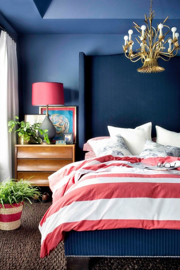 blue-bedroom-red-white-striped-bedding-1-595x894 Using Your HBCU Colors in Home Decor