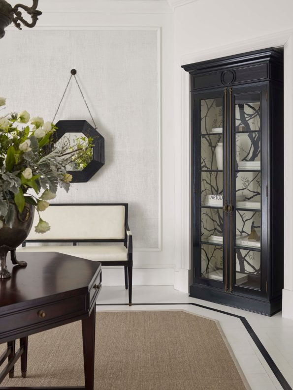 Darryl_Carter_WS_11-595x793 Tips for Mixing Modern and Traditional Decor