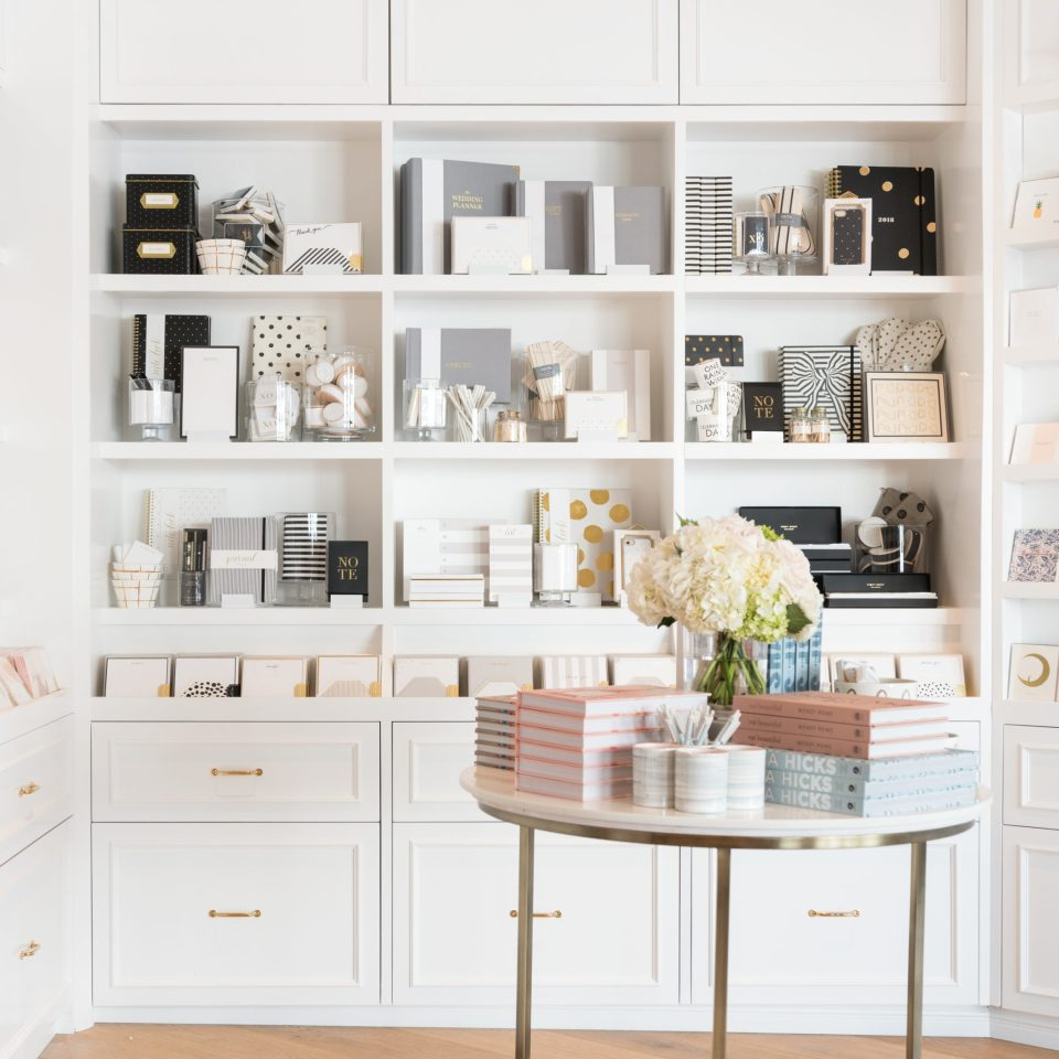 Sugar-Paper_Newport-Beach-store_2-960x960 How to Decorate Your Home Like a Stationery Store