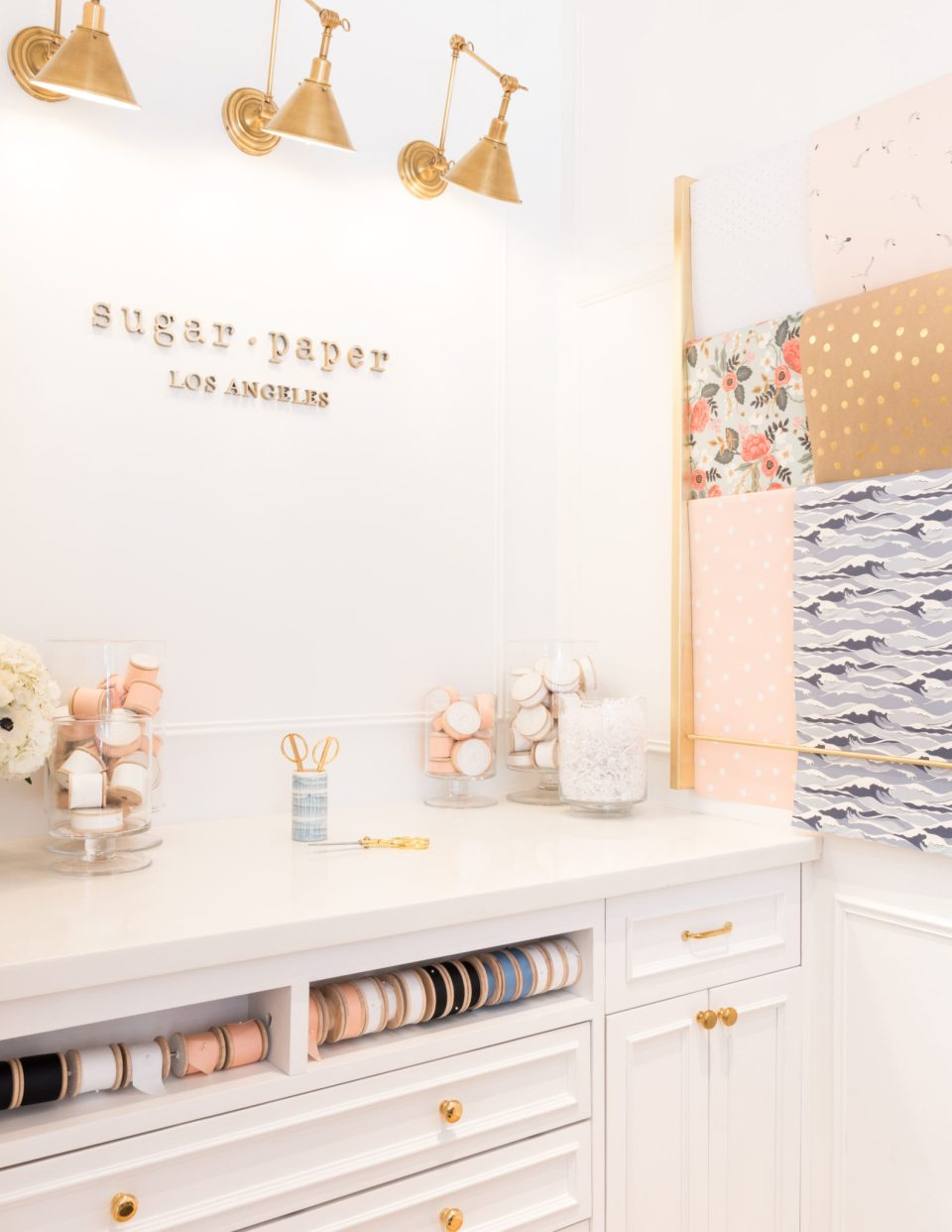 Sugar-Paper_Newport-Beach-store_21-960x1242 How to Decorate Your Home Like a Stationery Store