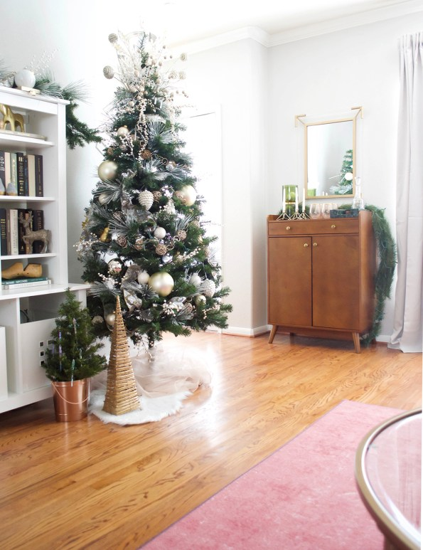 4-Stash-of-Panache-Holiday-Decor-595x773 How Houston-Based Interior Designer Alana Frailey Decorates Her Home For The Holidays