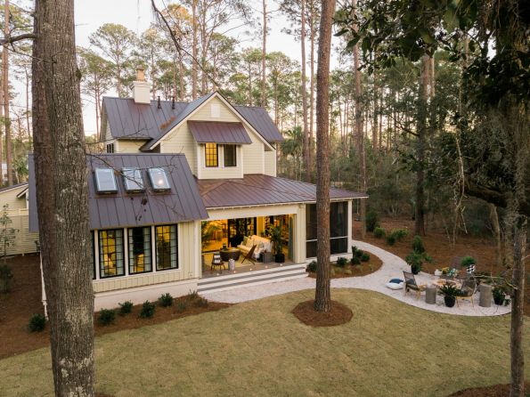 HGTV-Smart-Home-2018-Backyard-Dusk-595x446 HGTV Smart Home Tour - Palmetto Bluff