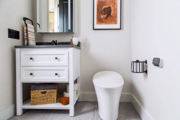 HGTV-Smart-Home-2018-Guest-Bathroom 20 Images of Coretta Scott King We Adore
