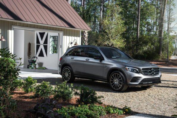 HGTV-Smart-Home-2018-Mercedes-Front-Yard-Garage 20 Images of Coretta Scott King We Adore