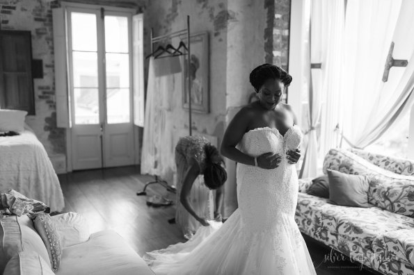 MyaKeithSneakPeeks-0023-595x396 Classic New Orleans Nuptials - NOLA Wedding Inspiration