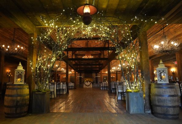 bsb23-595x405 Memphis, TN Wedding with Southern Style