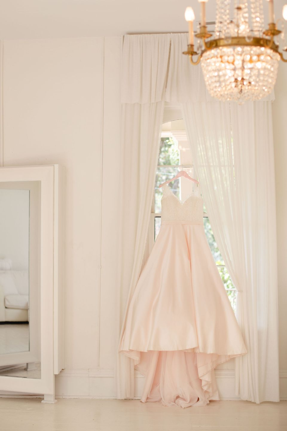 AbreaCrackel_04-960x1440 Pink and Blush Southern Wedding Inspiration