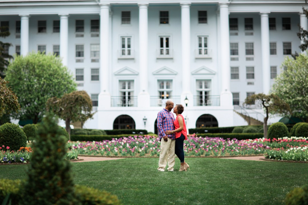 d69qfvismuq0593mw864_big West Virginia Engagement Session at the Greenbriar Resort