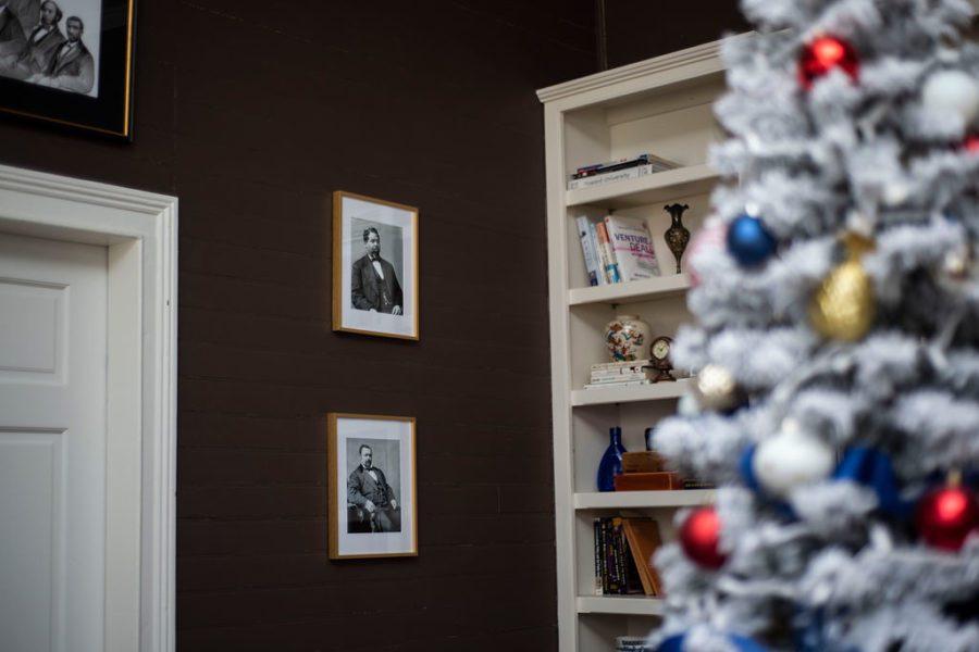 DSC_2911 Patriotic Holiday Decor: Reconstruction Era Holiday Theme