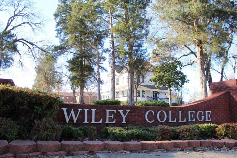 IMG_0192-1440x960 HBCU Holiday House: Wiley College Christmas Decor Tour