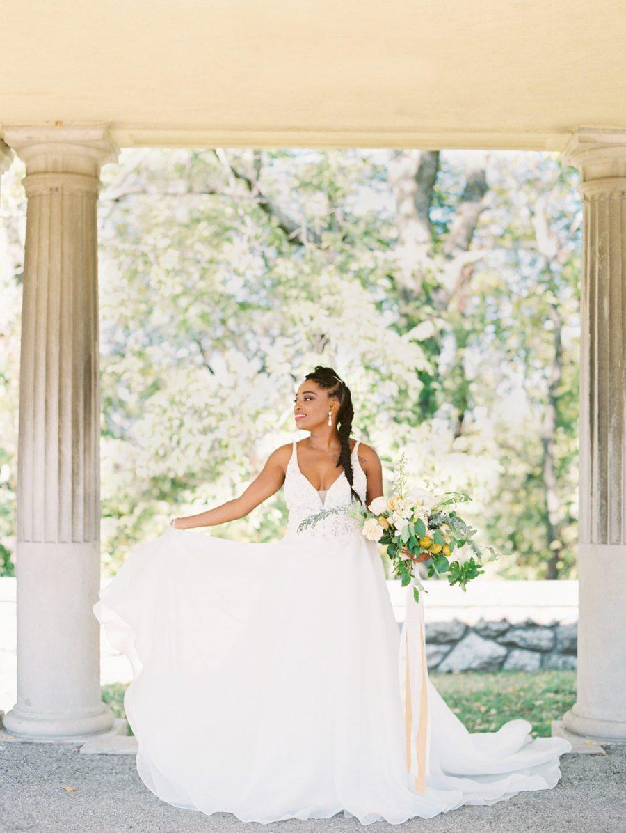 zzrd6ghef2se8opcsh55_big Kansas City, Missouri Outdoor Wedding Inspiration
