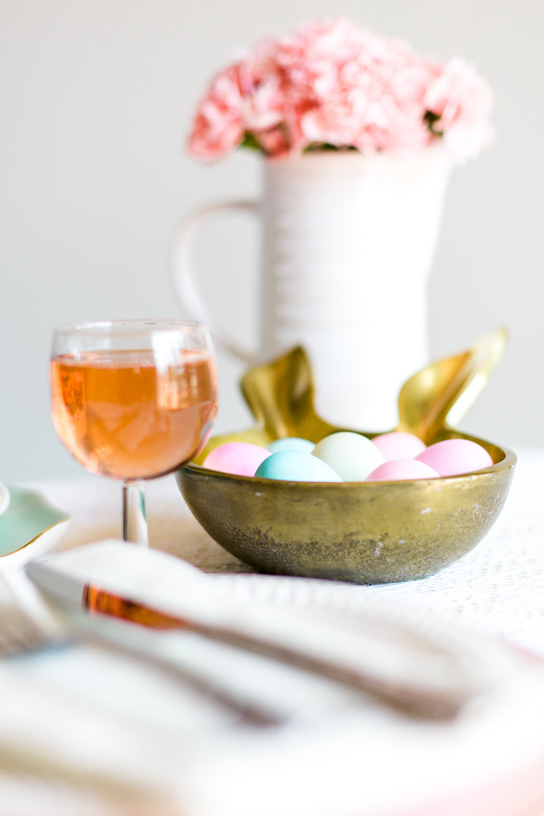 Staal_KristinaStaalPhotography_KristinaStaalPhotographyEasterTablescape20161_big Easy Entertaining: Easter Brunch Inspiration for Two