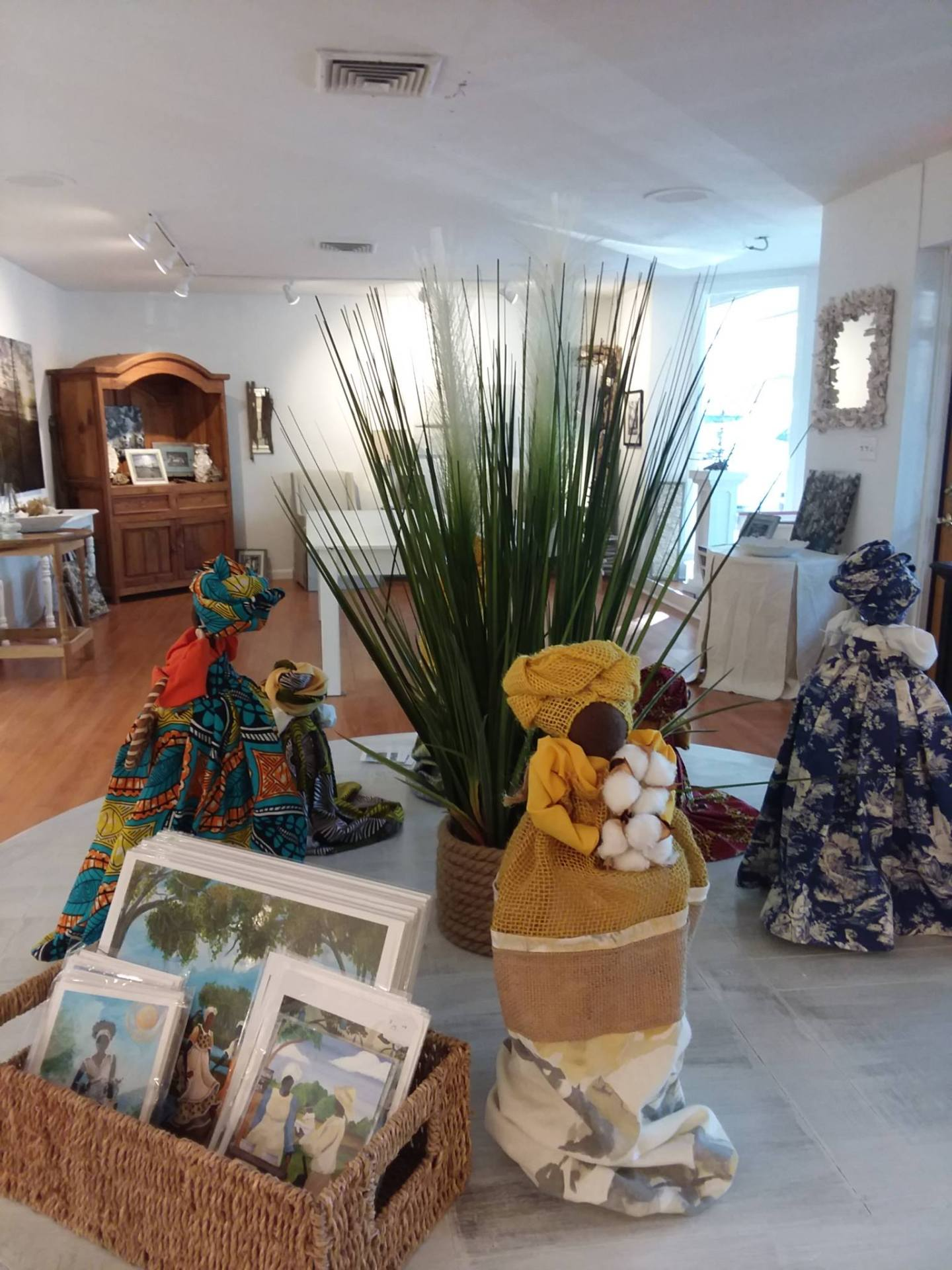58384262_10215841316400684_3586541422964113408_o-1440x1920 International Cultural Gullah Artist Sonja Griffin Evans Unveils Newest Art Studio