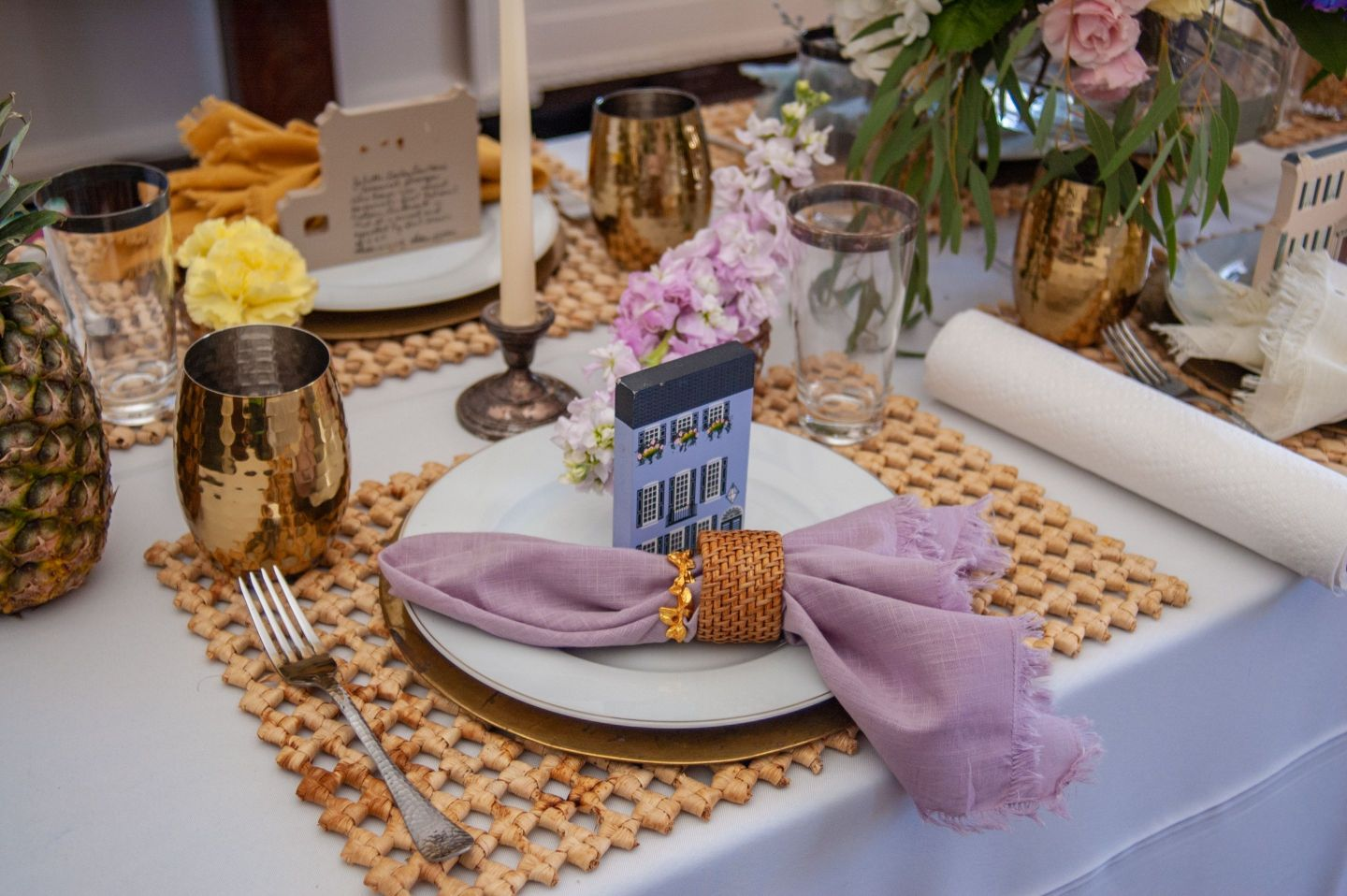 Southern-Settings-2019_5 Lowcountry Tablescape Inspiration from Southern Settings