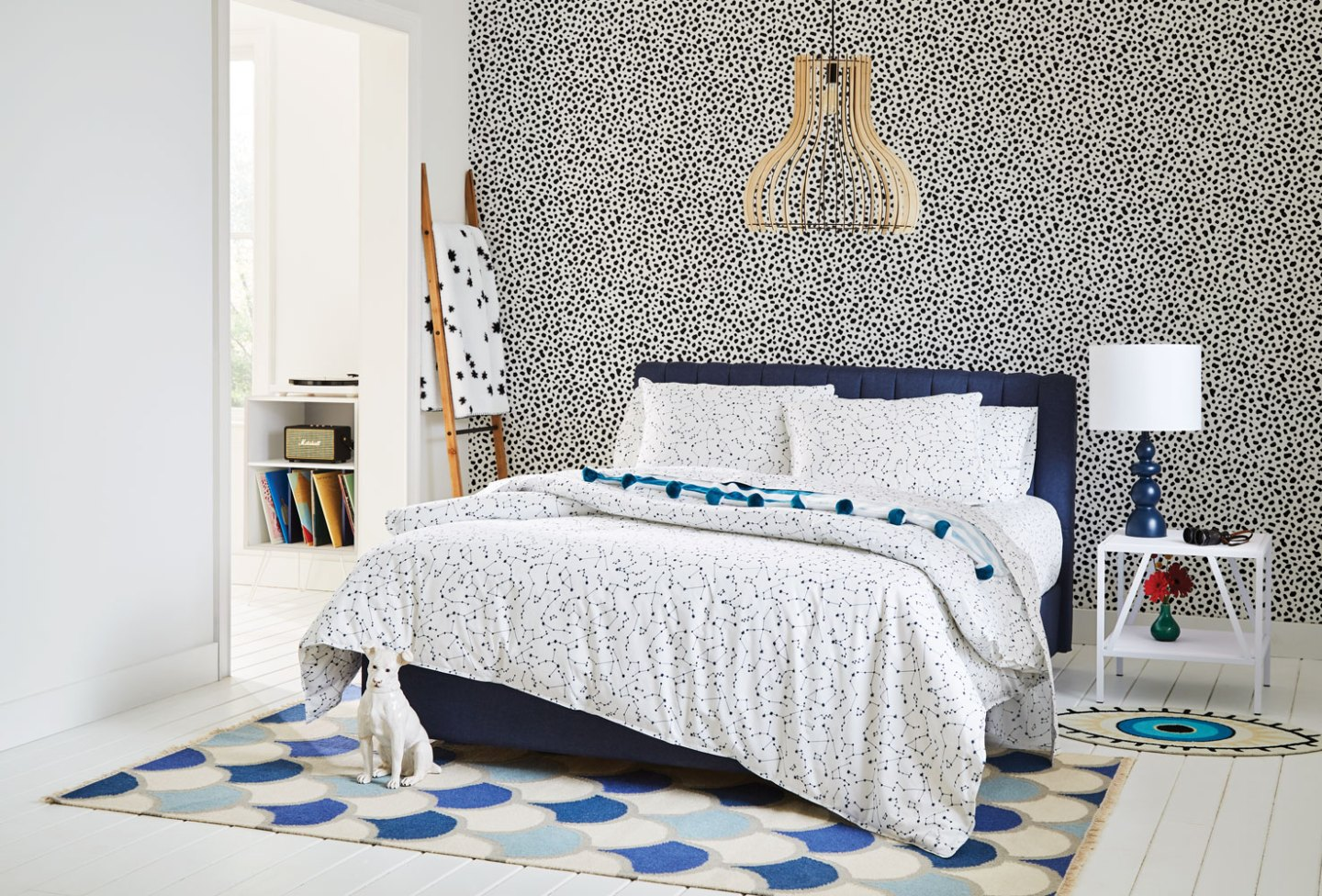 Tempaper_The-Novogratz_Scout_Pepper_Online_10 How to Add Wallpaper to Your Room with Inspiration from Novogratz