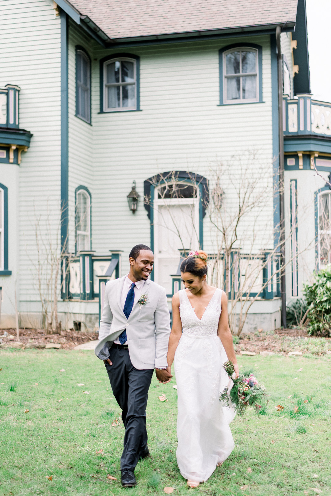 ngfqk8e9mm043jur4c85_big Hot Springs, NC Wedding Inspiration at Mountain Magnolia Inn