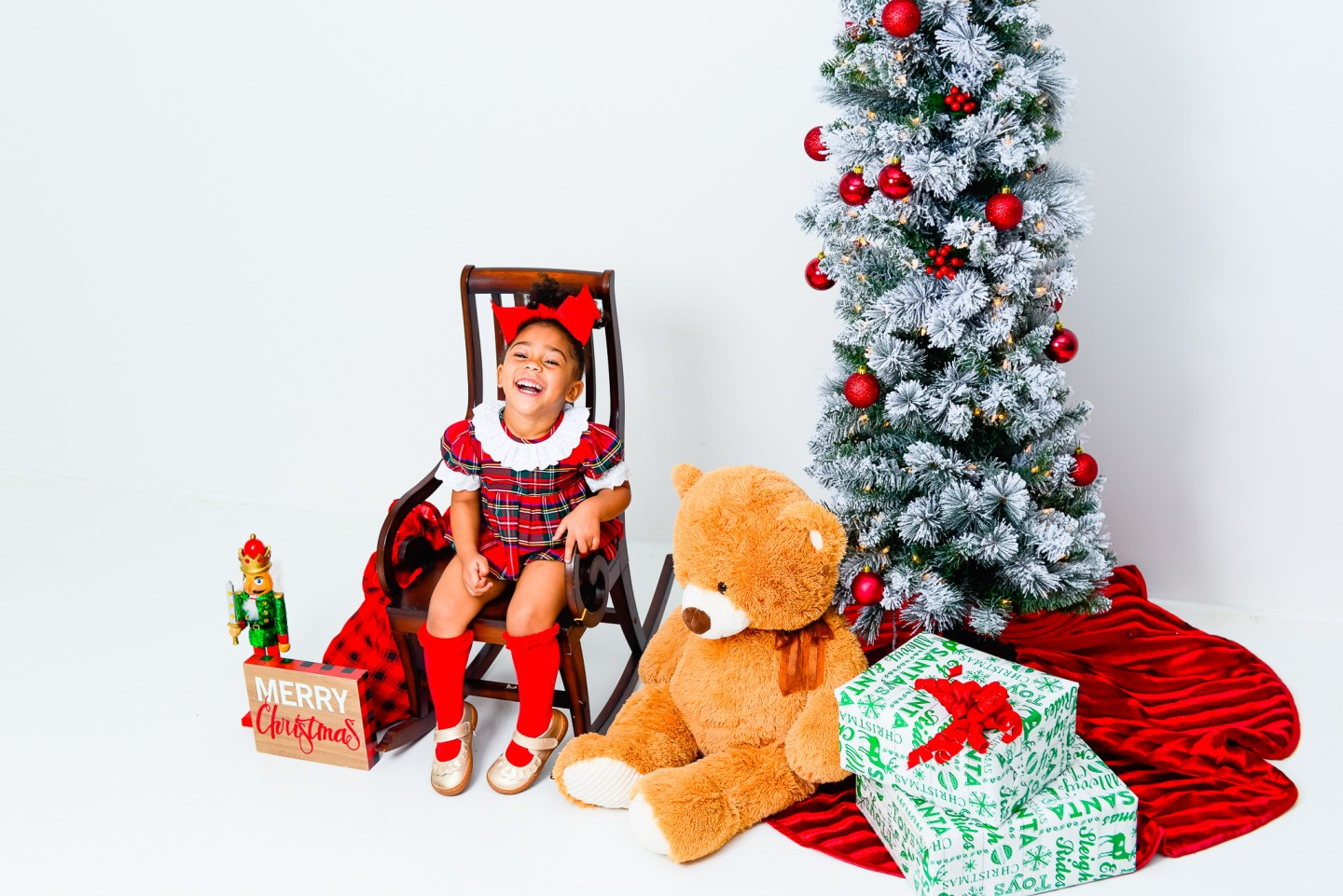 How to Prepare for a Holiday Shoot with a Toddler