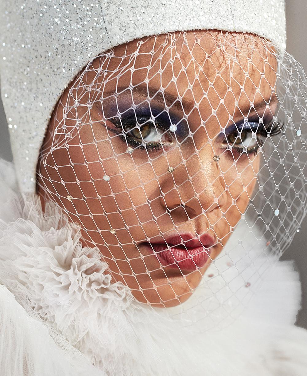 Harpers-Bazaar-Rihanna-3