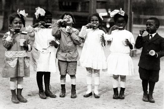 Children_from_Miner_Normal_School