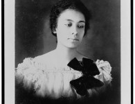 1469436480_675_Flash-Black-Photo-African-American-Woman.jpg