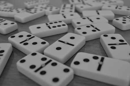 close up photo of dominoes