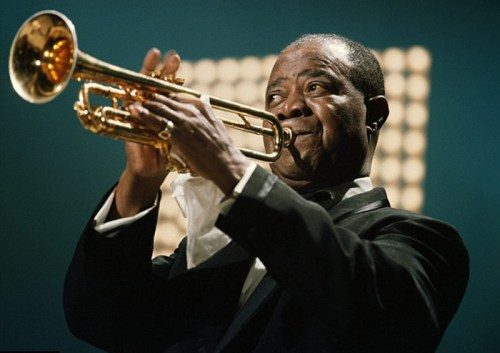 Black to the Music - Louis Armstrong - Armstrong performs on the Kraft Music Hall TV show, June 1967 - (c) Redferns