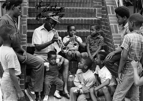 Black to the Music - Louis Armstrong - Louis with kids on stoop