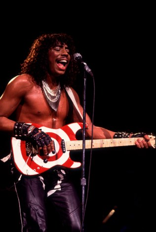 Black to the Music - Rick James 06