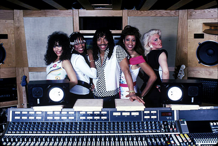 Black to the Music - Rick James in recording studio with Mary Jane Girls 1983 - (c) Mark Weiss