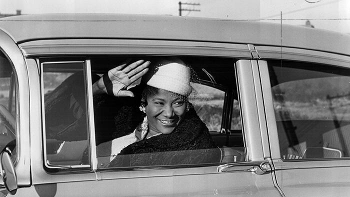 Black to the Music - Mahalia Jackson - B7 - circa 1954 - (c) Andrew Pavlin - Chicago Tribune