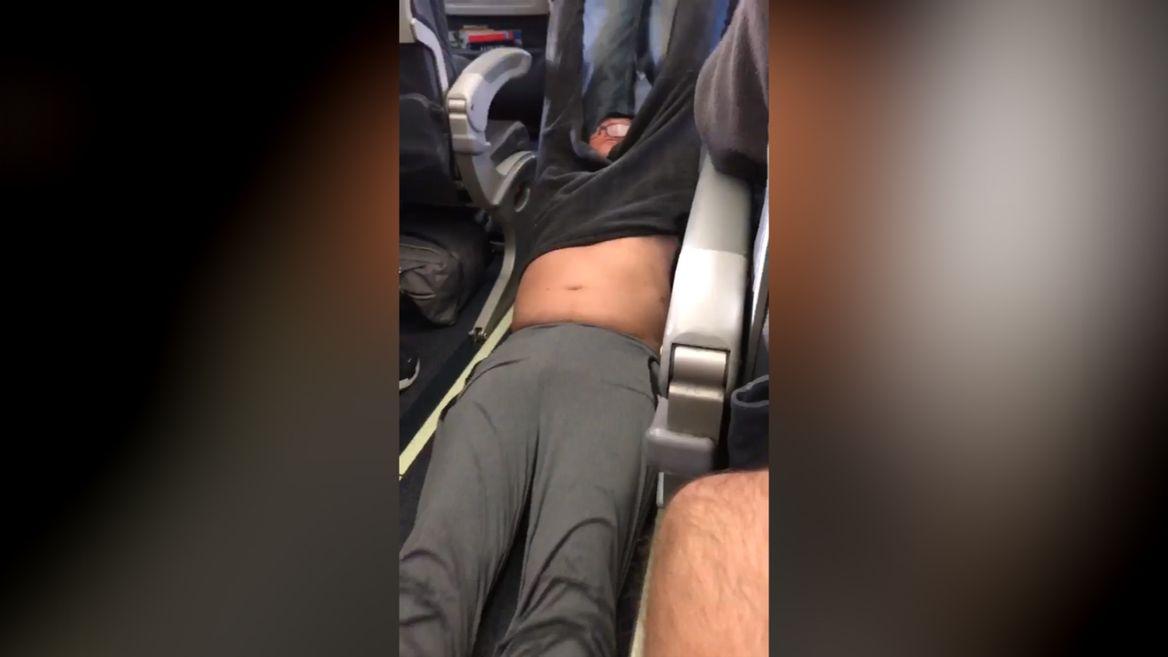 United Airlines drag passenger