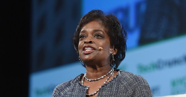 "Mignon Clyburn, hailed as the ""conscience"" of the FCC, resigns"
