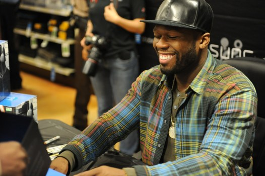 "NYPD commander tells cops to ""shoot (50 Cent) on sight,"" rapper says he fears for his life"
