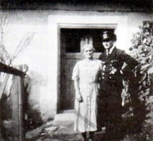 1944 vor unserem Haus